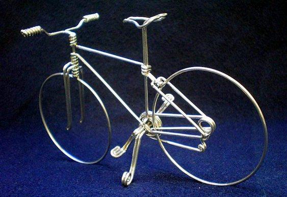 Bike em fio de alumínio