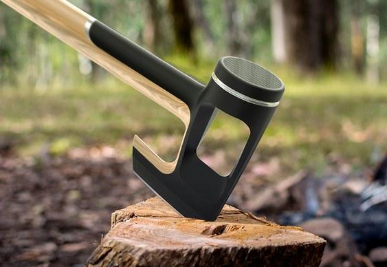Machado com martelo