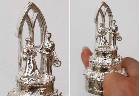 Joia esculpida em prata