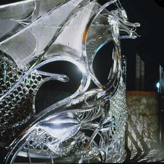Escultura de metal