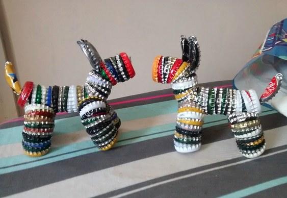 Bichinhos com tampas de garrafas recicladas