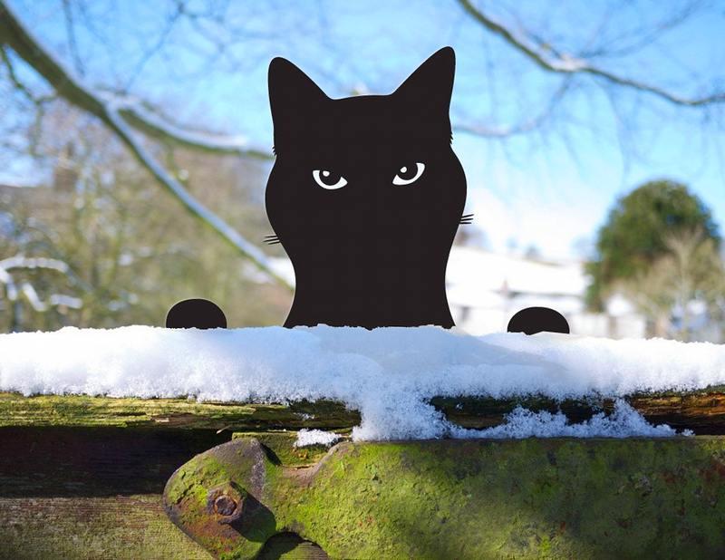 Gato em chapa de aço recortada