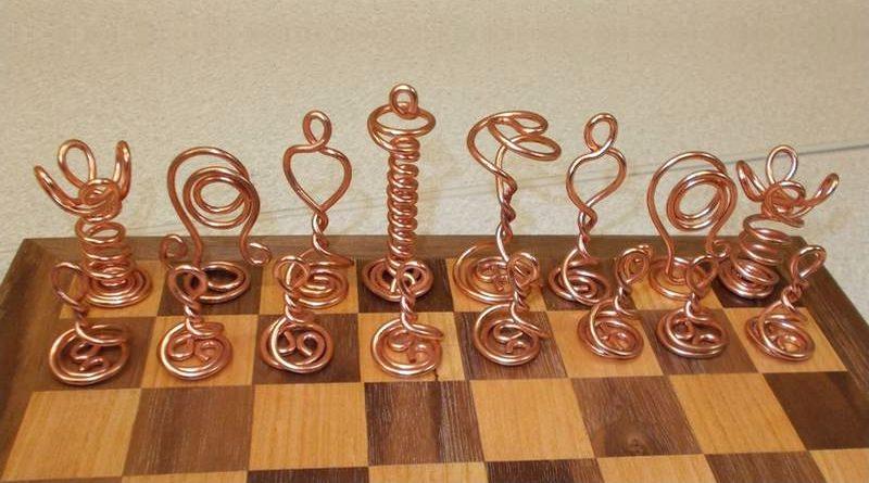 Peças com fios de cobre reciclados