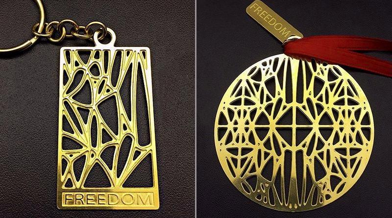 Medalhão e chaveiro