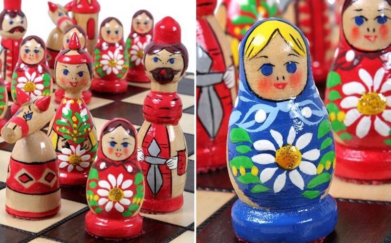 Bonecas matrioskas de madeira