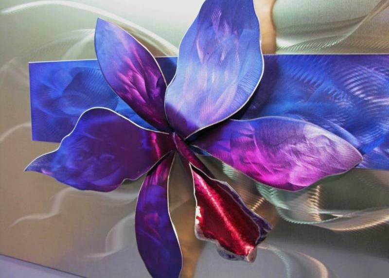 Decoração com orquídea de metal