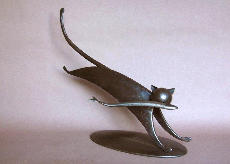 Escultura com sucata de metal