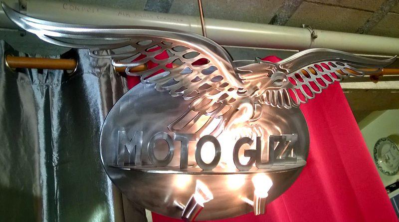 Letreiro para concessionária de motos