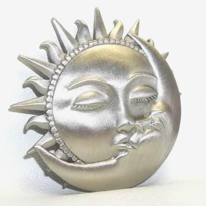Sol e Lua apaixonados