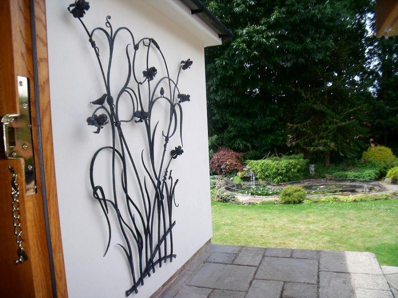 Painel de aço na parede