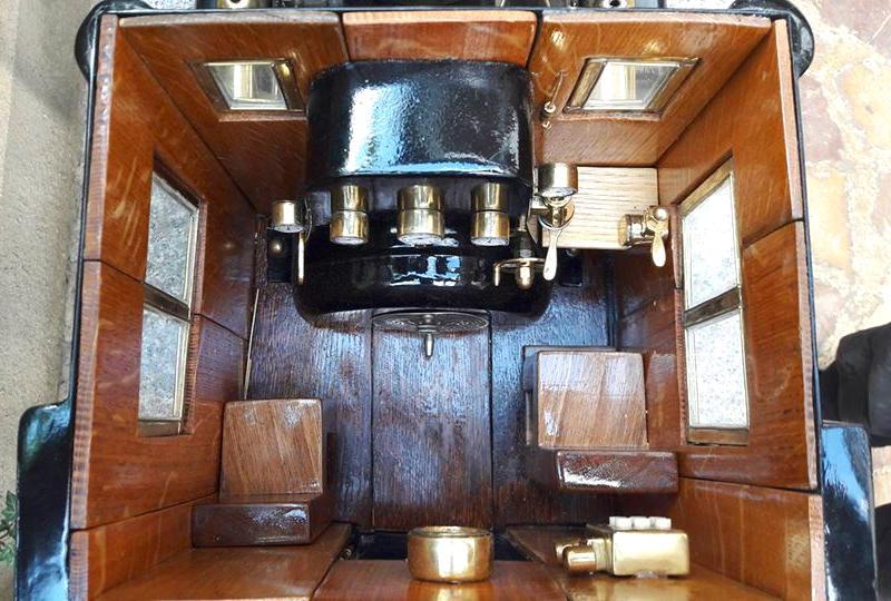 Cabine de máquina de trem