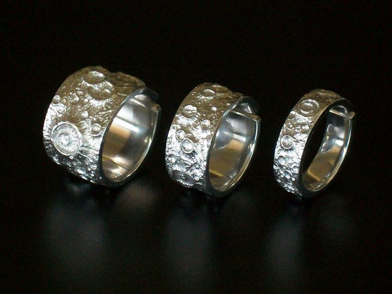 Coleção de anéis com tema da Lua