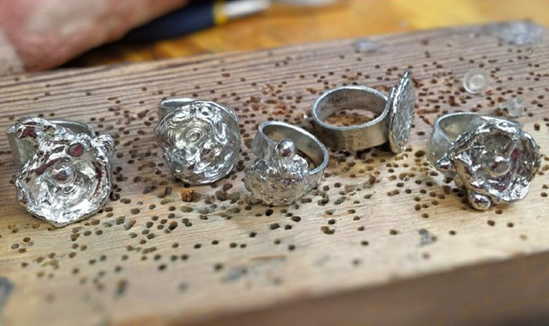 Bijoux de pewter